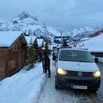 Schneestangen stellen Strass