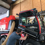 Adapatierungsarbeiten Holder Kehrmaschinenaufbau