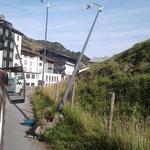 Straßenbeleuchtung Zürs: Laterne nach Unfall mit Fahrerflucht abmontieren