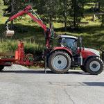 Überfahrplatten am Bauhofdach verladen und zum Heizwerk Lech transportieren