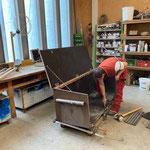 Reparaturarbeiten in der Tischlerei, Spielzeugkiste Kindergarten Lech