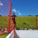 Netze fertig montieren Bolzplatz Jugendplatz