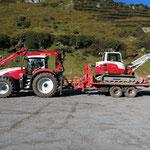 Drittleistung für Ski Zürs AG, Baggertransport mit Steyr 6240 CVT und Bigabhänger