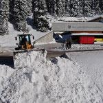 Bauhof - Schneeräumung mit Lader 524