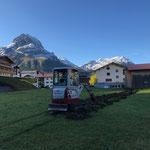 Baggerarbeiten für Stromversorgung Stall Schlosskopfparkplatz
