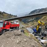 für Ufersanierung Zürsbach Höhe Seekopfbahn...