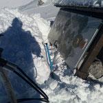 Projekt Türen: Standorte Madloch-Lech, Türen ausschaufeln und ins Tal bringen