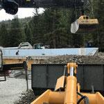 Neubau Waldbad, Mithilfe bei Füllarbeiten Aquafitbecken
