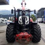Unser neuer Traktor bei der Abholung in Thaur, Tirol