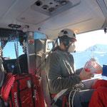 Hubschrauber-Sprengarbeiten für Wege und Loipen