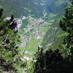 Staldenfluh: Sicht von oben auf Lauterbrunnen
