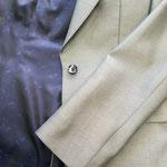 袖ボタンを付けないで(筒袖)シンプルに。