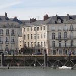 Maisons nantaises penchées sur les quais
