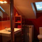 Badezimmer mit Dusche  (Foto by artcorbou)