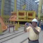 Sr Roberto Pineda Vicepresidente de Unpyme en los Talleres de Montaje de las Turbinas