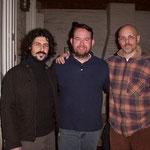 De izquierda a derecha: Ariel Migliorelli, Christopher Dorsey y Marcelo Coronel. En casa de Marcelo.