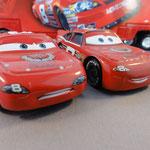 Dale Earnhardt Jr. (R) vs Dale Earnhardt Jr. aggro expresion (L)