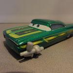 Ramone (green) w/ paintgun