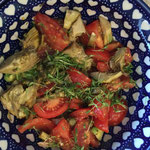 Artischocken-Tomaten-Salat mit Kapern