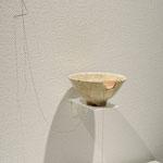 title : 繕う material:欠けた茶碗、糸、 size : 13×13×6cm