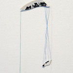 title : repaire-夏の日 material:皿の欠片、糸、 size : 25×27×4.5cm