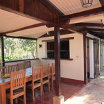 Comedor y patio interno Casa Loma