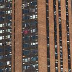 Farbenfrohes Wohnhaus in der Bronx