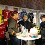 Mirko Nitschmann nimmt Gebote an