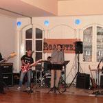 ... und die Live Band Roadster, die ebenfalls auf ihre Gage verzichtete.