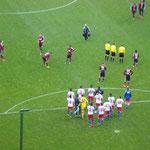Freude bei den HSV-Spielern nach der Partie