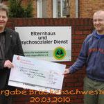 Spendenübergabe Förderkreis für krebskranke Kinder Kiel 2010