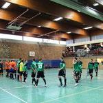 Lasset die Spiele beginnen: Einlauf der Teams vor der ersten Partie des Turniers.