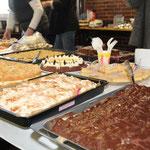 ... für das leibliche Wohl war dank vieler freiwilliger privater Bäcker und Köche ausreichend gesorgt.