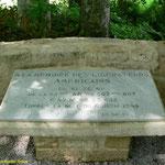 Denkmal für die beim Crash der C-47 Nr. 42-23638 getöteten Amerikaner bei Rouville
