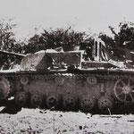 Abgeschossenes deutsches Sturmgeschütz der Sturmgeschütz-Abteilung 2 des II. Fallschirm-Korps