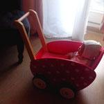 Retro-Lauflernwagen mit Puppe, gebraucht, guter Zustand,Leihgebühr 15€ monatlich, Selbstabholung, Kaution 30€, vor Ort bezahlen/z.Z. verliehen
