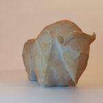 """"""" Bison à facettes """" Sculpture grès blanc  cuisson Noborigama H16cm/L12cm Pièce Unique -Juan José Ruiz dit """"Caco"""" Artiste Auteur/Sculpteur"""