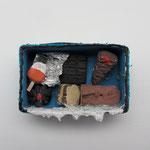 Fette Jahre / Ton, Acrylfarbe / ca. 4 x 6 cm 2008 (verkauft)