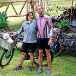 Das Berliner Pärchen, das mit Fahrrad und Hund auf dem Weg nach Alaska ist.