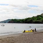 Playa Panama im Norden der Halbinsel Nicoya. Es gibt mehrere Resorts und es ist richtig warm hier. Der Schweiß fließt, das Meer ist warm und es ist windstill. Mein erstes Bad im Pazifik und dann geht es weiter Richtung Brasilito.