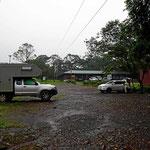 Unser Übernachtungsplatz im Nachmittagsregen.