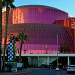 Mich fazinieren die Formen und Farben derf Gebäude in Las Vegas.