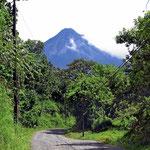 Immer noch der Arenal-Vulkan, jetzt aber vom Nationalpark aus gesehen.