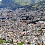Ein Überblick auf Quito.