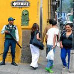 Die Security ist überall wachsam in Antigua.