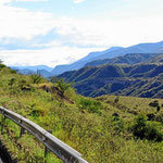 Fahrt durch eine wilde Gebirgslandschaft nach Pasto.