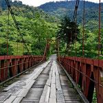 Eine typische Brücke auf einer Nebenstraße.