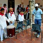 Vorführung der Musikschule von Catagena, hier der Trommelkurs.