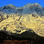 Der Mount Rainier am Abend.