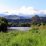 Im Hintergrund der Rio Cauca.